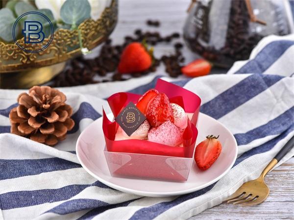 迷你一口幸福草莓慕斯