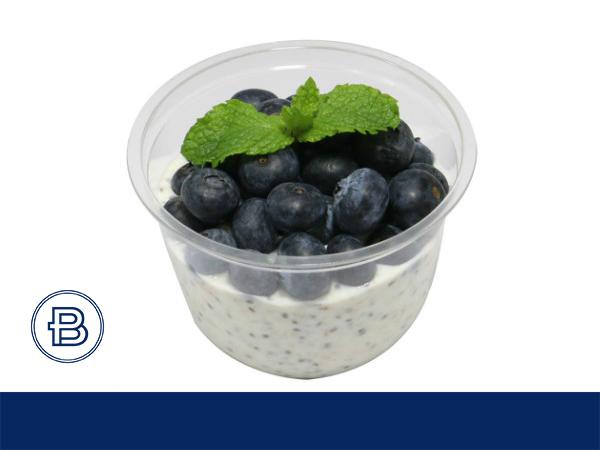 蓝莓奇亚籽燕麦酸奶杯饮品