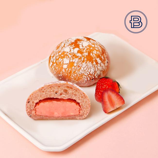 草莓奶油芝士面包